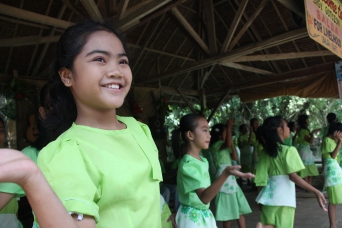 Loboc River Cruise dancers, Bohol